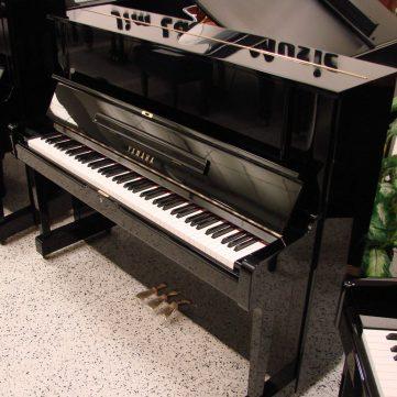 Piano Yamaha YUS